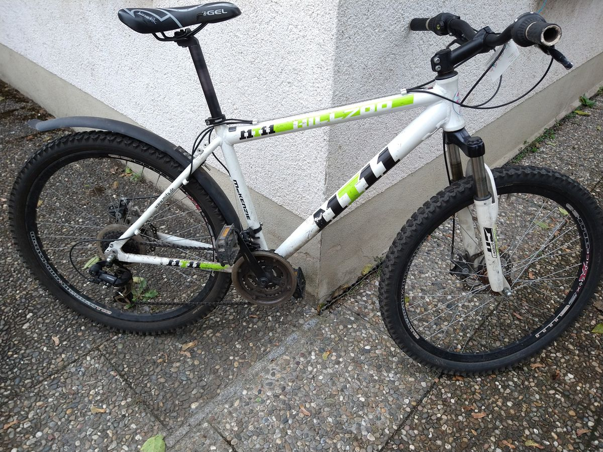 Mountainbike Mc Kenzie; 26 Zoll; 21 Gang; RH: 48cm; 240€